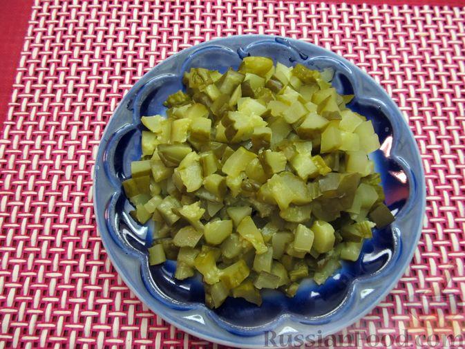 Фото приготовления рецепта: Томатный релиш с маринованными огурцами - шаг №5