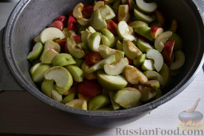 Фото приготовления рецепта: Яблочное пюре на зиму - шаг №4