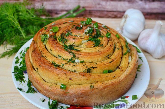 Фото к рецепту: Чесночный хлеб «Улитка»
