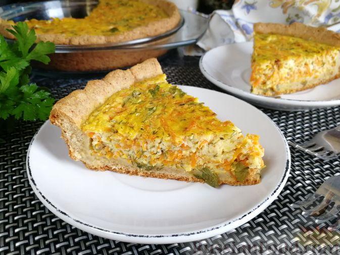 Фото к рецепту: Морковный киш c творогом и зеленью