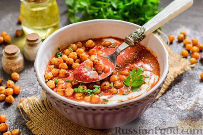 Фото приготовления рецепта: Пряный свекольный крем-суп с обжаренным нутом - шаг №16
