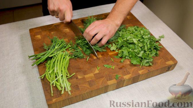 Фото приготовления рецепта: Закуска из томатов по-астрахански - шаг №4