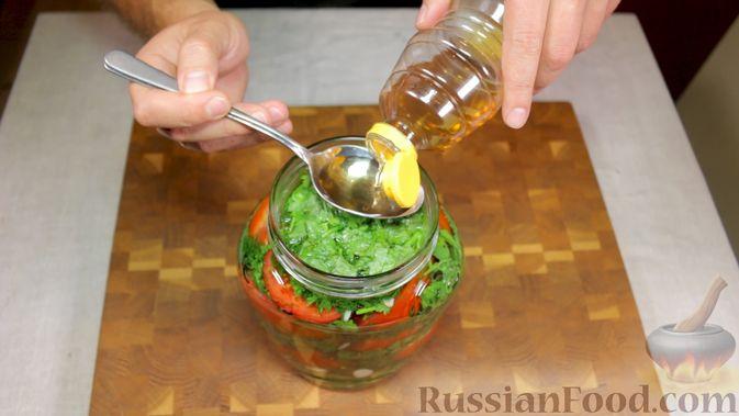 Фото приготовления рецепта: Закуска из томатов по-астрахански - шаг №9