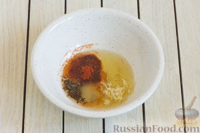 Фото приготовления рецепта: Тушёная морковь с паприкой и кумином - шаг №4
