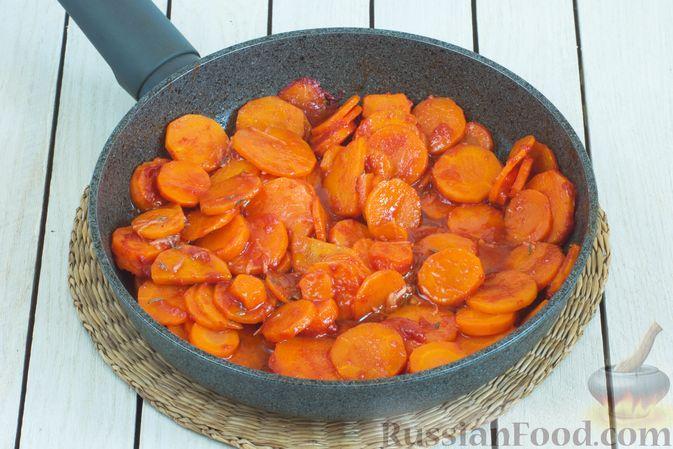 Фото приготовления рецепта: Тушёная морковь с паприкой и кумином - шаг №8