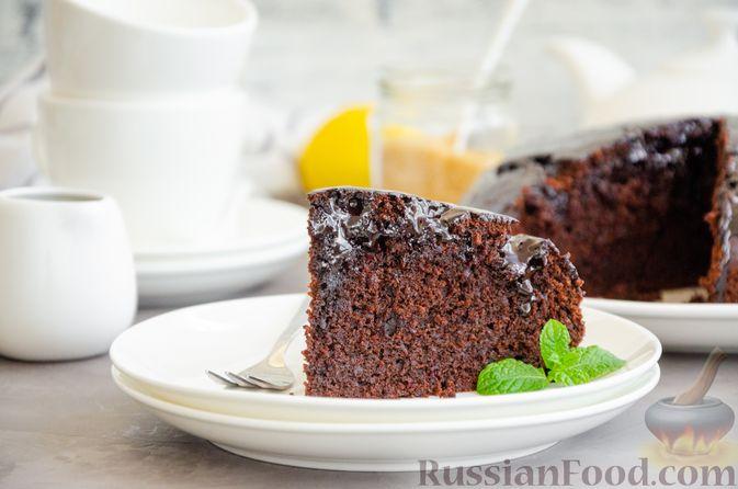 Фото к рецепту: Шоколадный пирог со свёклой