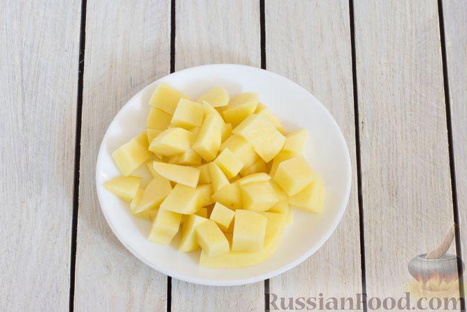 Фото приготовления рецепта: Суп с тыквой, шампиньонами и вермишелью - шаг №6