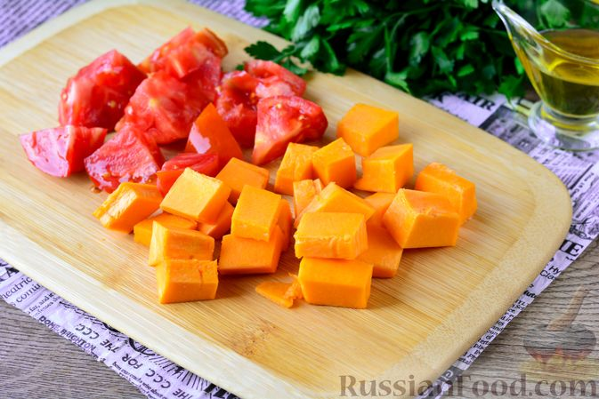 Фото приготовления рецепта: Рагу из тыквы с капустой и шампиньонами - шаг №4