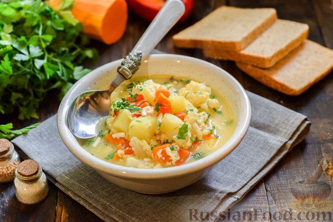 Фото приготовления рецепта: Овощной суп из тыквы и цветной капусты с сырно-яичной заправкой - шаг №16