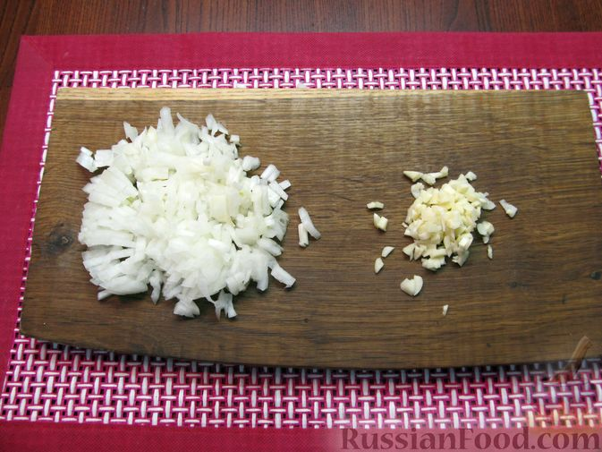 Фото приготовления рецепта: Суп из зеленых помидоров с копченой грудинкой - шаг №4