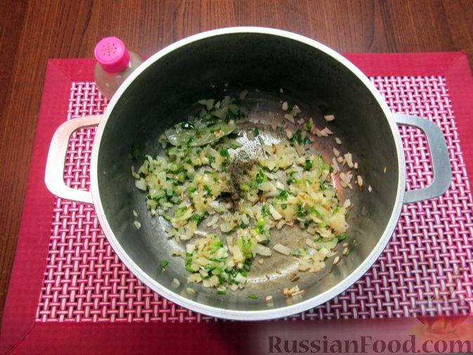 Фото приготовления рецепта: Суп из зеленых помидоров с копченой грудинкой - шаг №9