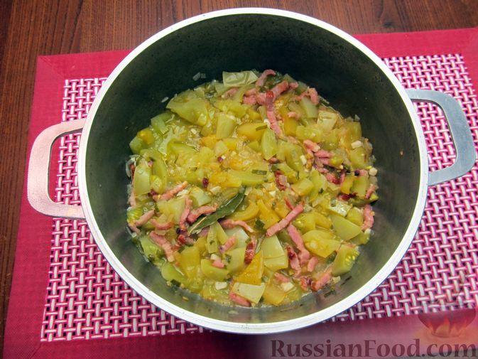Фото приготовления рецепта: Суп из зеленых помидоров с копченой грудинкой - шаг №12