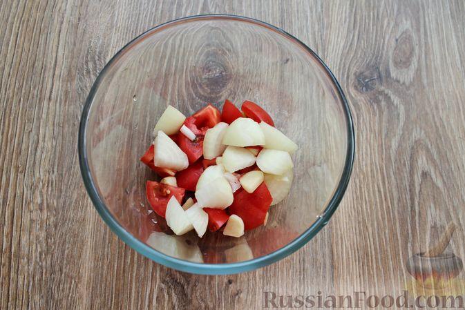 Фото приготовления рецепта: Овощной смузи с репчатым луком и чесноком - шаг №4