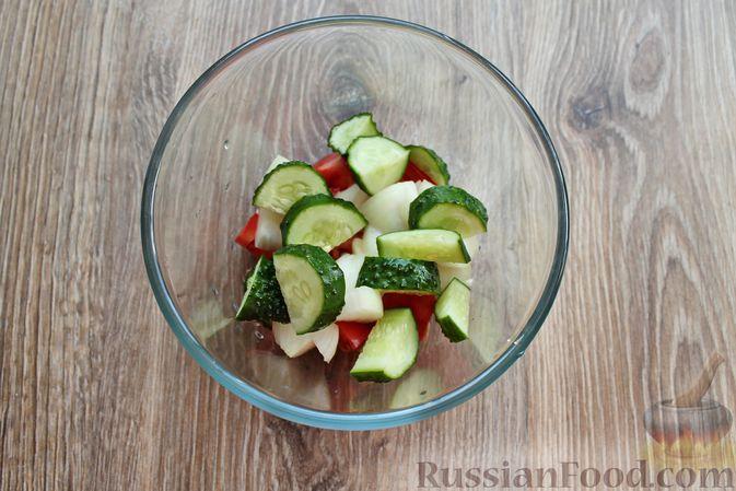 Фото приготовления рецепта: Овощной смузи с репчатым луком и чесноком - шаг №5