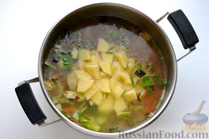 Фото приготовления рецепта: Капустный суп-пюре - шаг №8