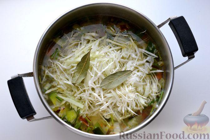 Фото приготовления рецепта: Капустный суп-пюре - шаг №10