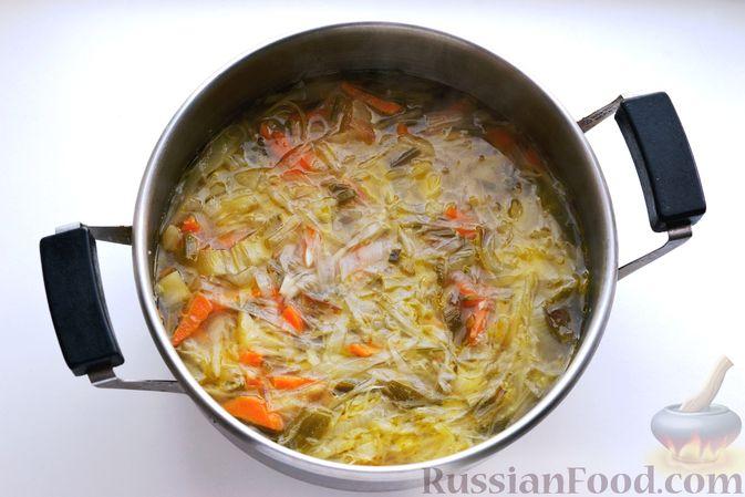 Фото приготовления рецепта: Капустный суп-пюре - шаг №11