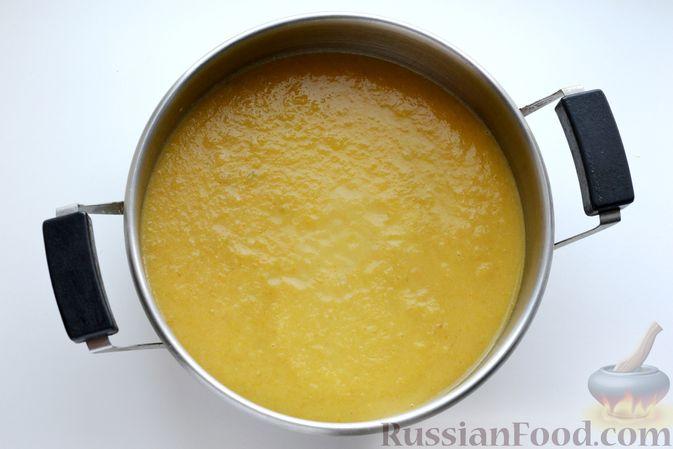 Фото приготовления рецепта: Капустный суп-пюре - шаг №12