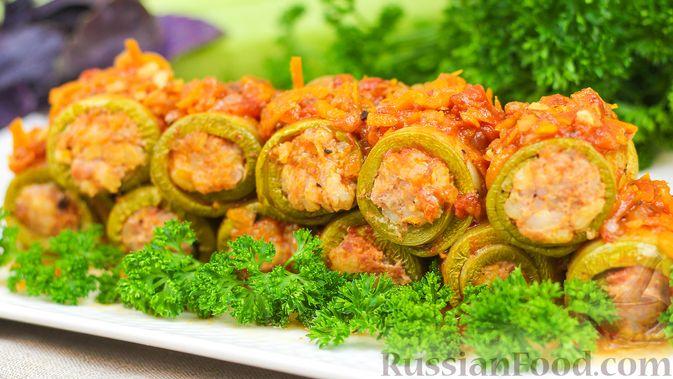 Фото приготовления рецепта: Рулетики из кабачков с фаршем - шаг №10