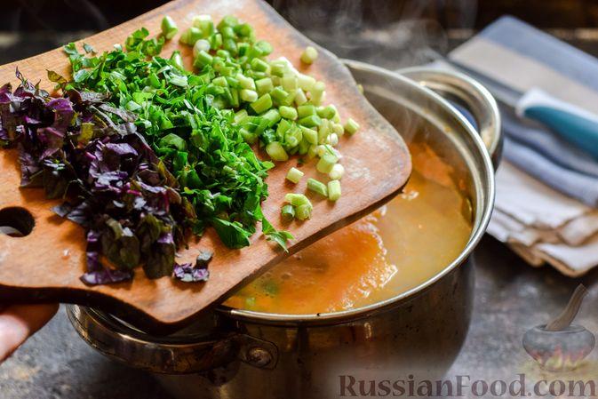 Фото приготовления рецепта: Куриный суп с овощами и сливками - шаг №8