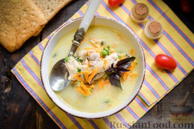 Фото приготовления рецепта: Куриный суп с овощами и сливками - шаг №11