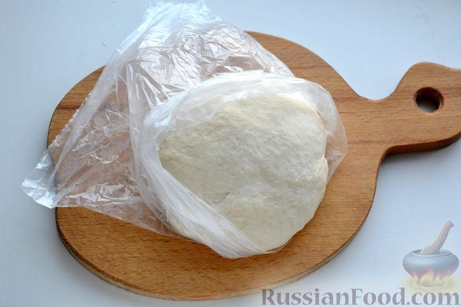 Фото приготовления рецепта: Вареники с картошкой, в томатном соусе - шаг №4