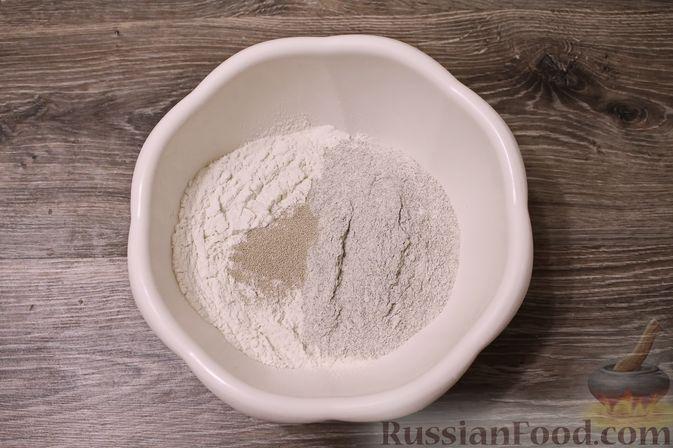 Фото приготовления рецепта: Пшенично-ржаной хлеб - шаг №3