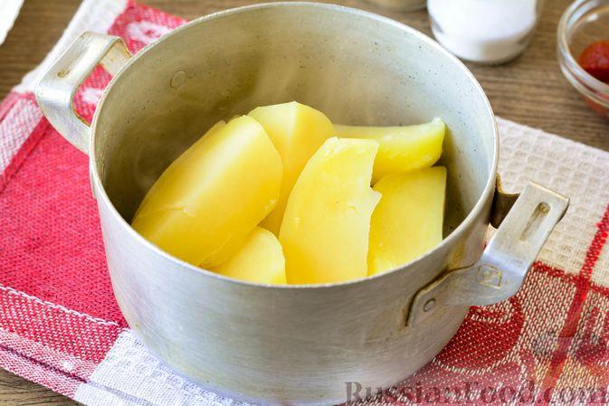 Фото приготовления рецепта: Голубцы с мясным фаршем и картофелем - шаг №4