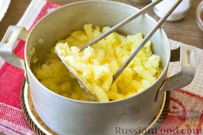 Фото приготовления рецепта: Голубцы с мясным фаршем и картофелем - шаг №5