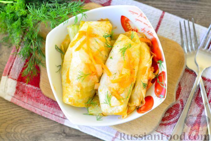 Фото приготовления рецепта: Голубцы с мясным фаршем и картофелем - шаг №20