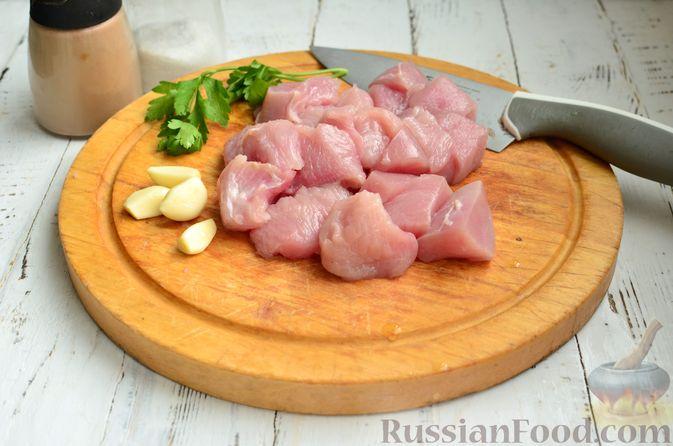 Фото приготовления рецепта: Суп с фрикадельками и брюссельской капустой - шаг №2