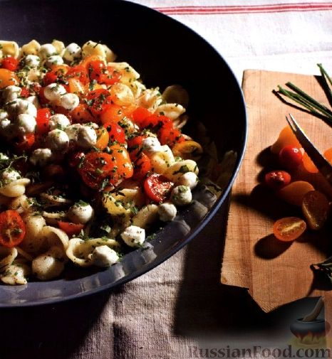 Рецепт Паста с моцареллой, помидорами и травами