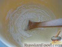 """Фото приготовления рецепта: Бисквитный торт """"Нежный"""" - шаг №6"""