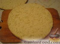 """Фото приготовления рецепта: Бисквитный торт """"Нежный"""" - шаг №10"""