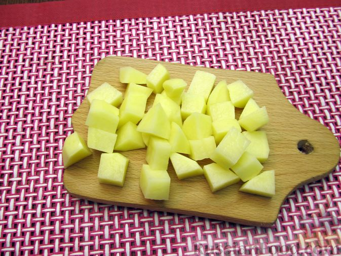 Фото приготовления рецепта: Солянка с вермишелью - шаг №2