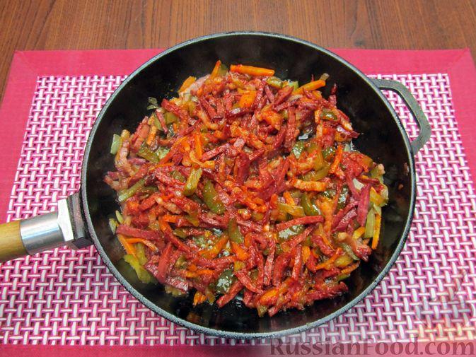 Фото приготовления рецепта: Солянка с вермишелью - шаг №12