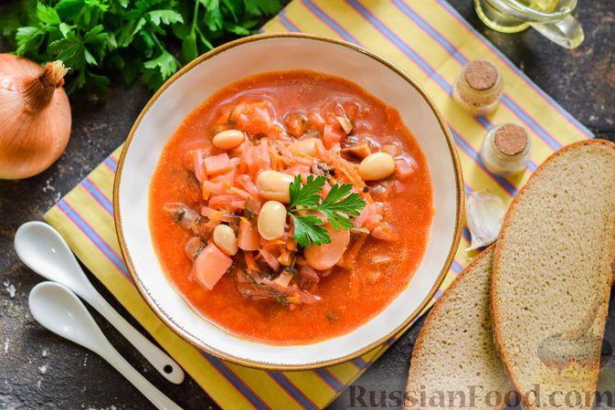 Фото приготовления рецепта: Свекольный суп с шампиньонами и фасолью - шаг №17