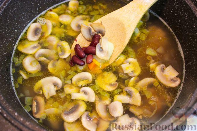 Фото приготовления рецепта: Капустные котлеты с пшеном, в панировке - шаг №3