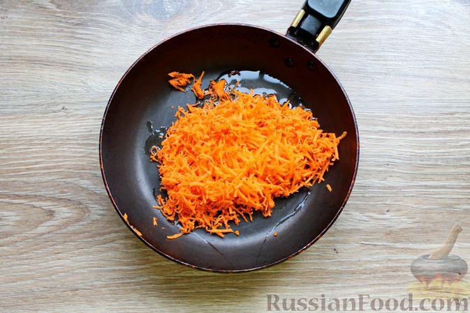Фото приготовления рецепта: Куриный суп с творожными клёцками - шаг №6
