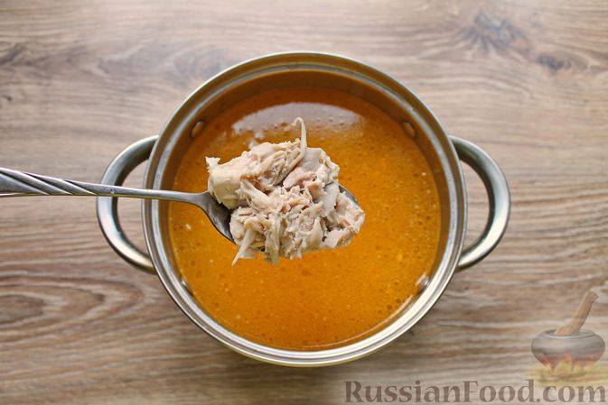 Фото приготовления рецепта: Куриный суп с творожными клёцками - шаг №11