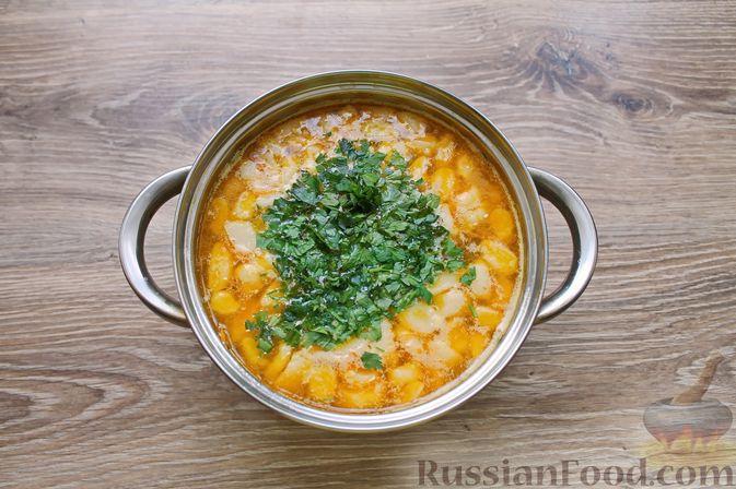 Фото приготовления рецепта: Куриный суп с творожными клёцками - шаг №17