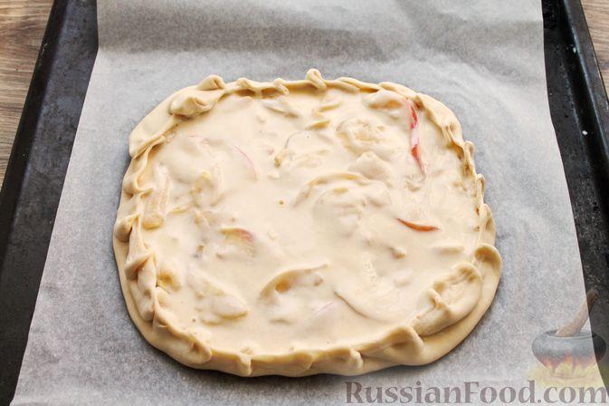 Фото приготовления рецепта: Пирог из слоёного теста, с яблоками и корицей - шаг №9