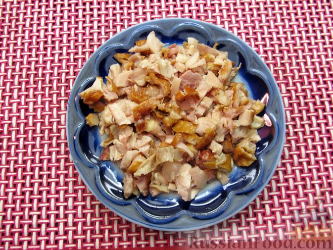 Фото приготовления рецепта: Тыквенный суп-пюре с копчёной курицей - шаг №4