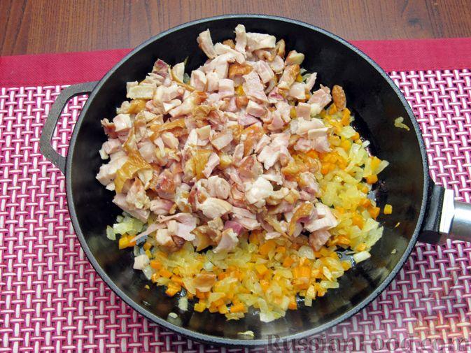 Фото приготовления рецепта: Тыквенный суп-пюре с копчёной курицей - шаг №7