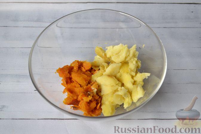 Фото приготовления рецепта: Тыквенные ньокки со сливочно-сырным соусом с ветчиной - шаг №8