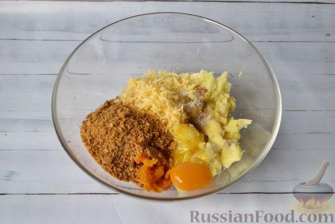 Фото приготовления рецепта: Тыквенные ньокки со сливочно-сырным соусом с ветчиной - шаг №9