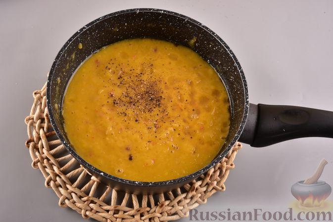 Фото приготовления рецепта: Суп-пюре из запеченной тыквы с имбирем - шаг №10