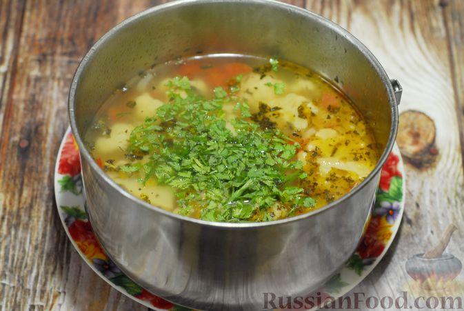 Фото приготовления рецепта: Фасолевый суп с цветной капустой и сухариками - шаг №16