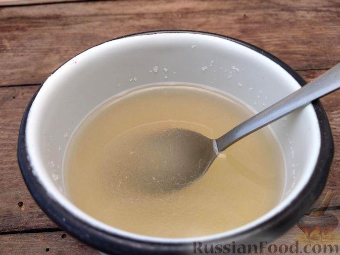 Фото приготовления рецепта: Желе из клюквы - шаг №6