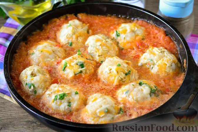Фото приготовления рецепта: Куриные тефтели с тыквой и сыром в томатном соусе - шаг №14
